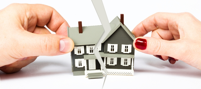 What Happens to the Property During Divorce